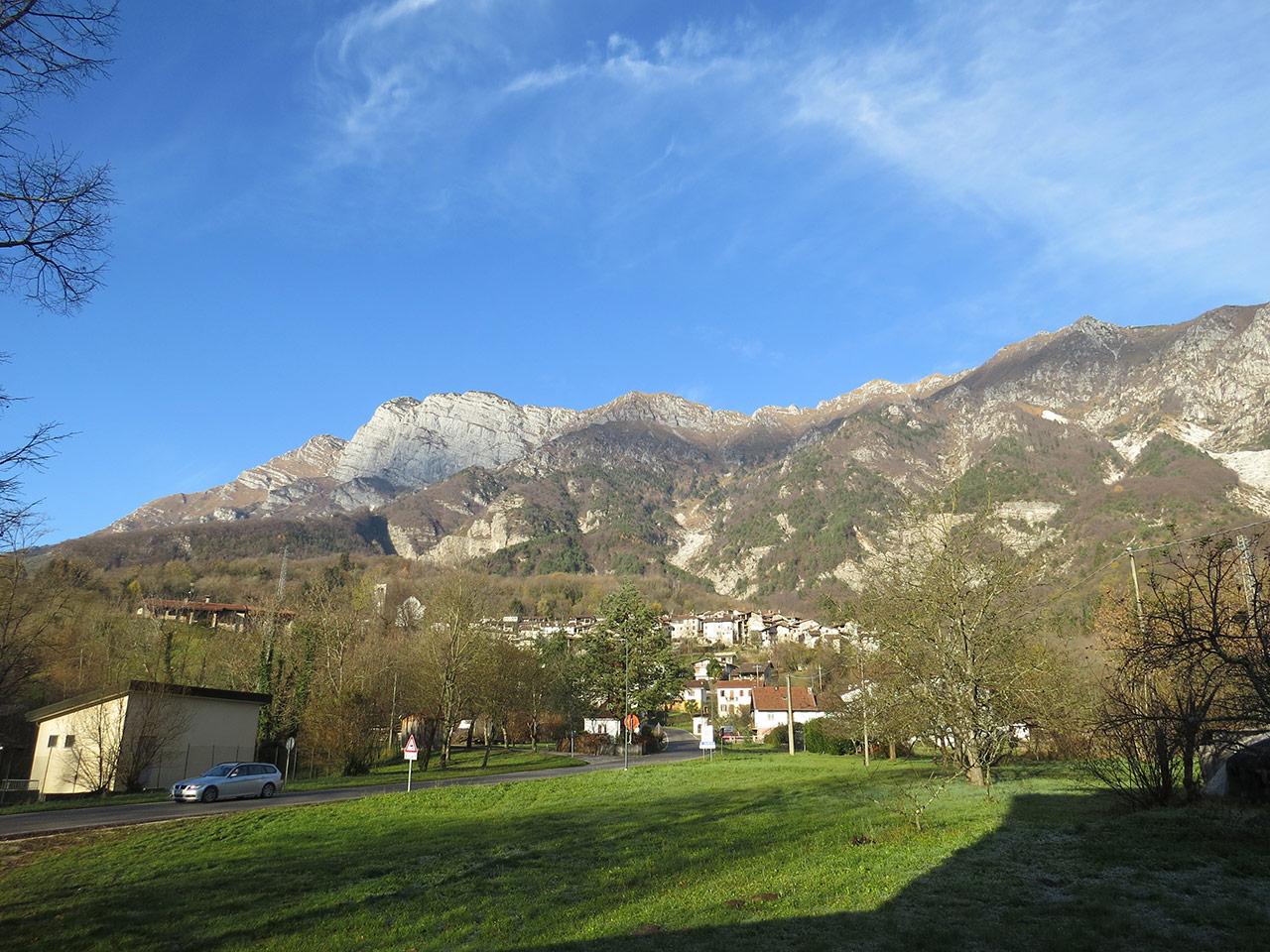 Poffabro e monte Raut - Foto di Angelo Bernardon